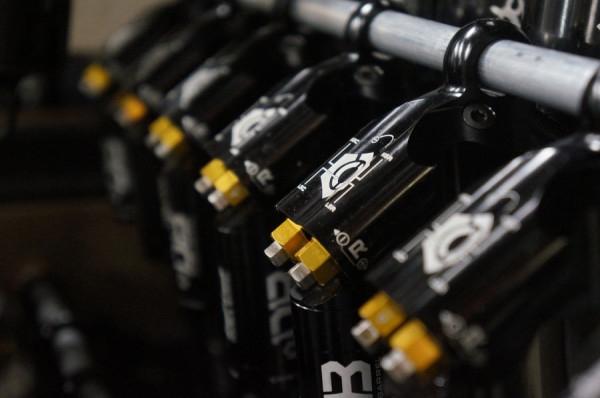 Ремонт: Настройка подвески #3: настраивайте компрессию и отскок для максимизации сцепления