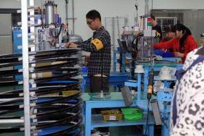 Блог им. pashevich: Экскурсия на производство SRAM. Часть 1 : вилки и аморты RockShox, привод SRAM и многое другое