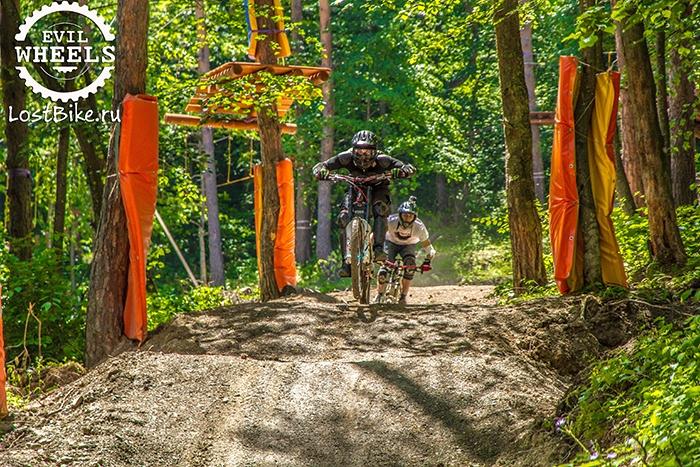 Блог компании LostBike.ru: Небольшой отчёт о трассе в байк-парке Армхи от команды Evil Wheels и LostBike.ru