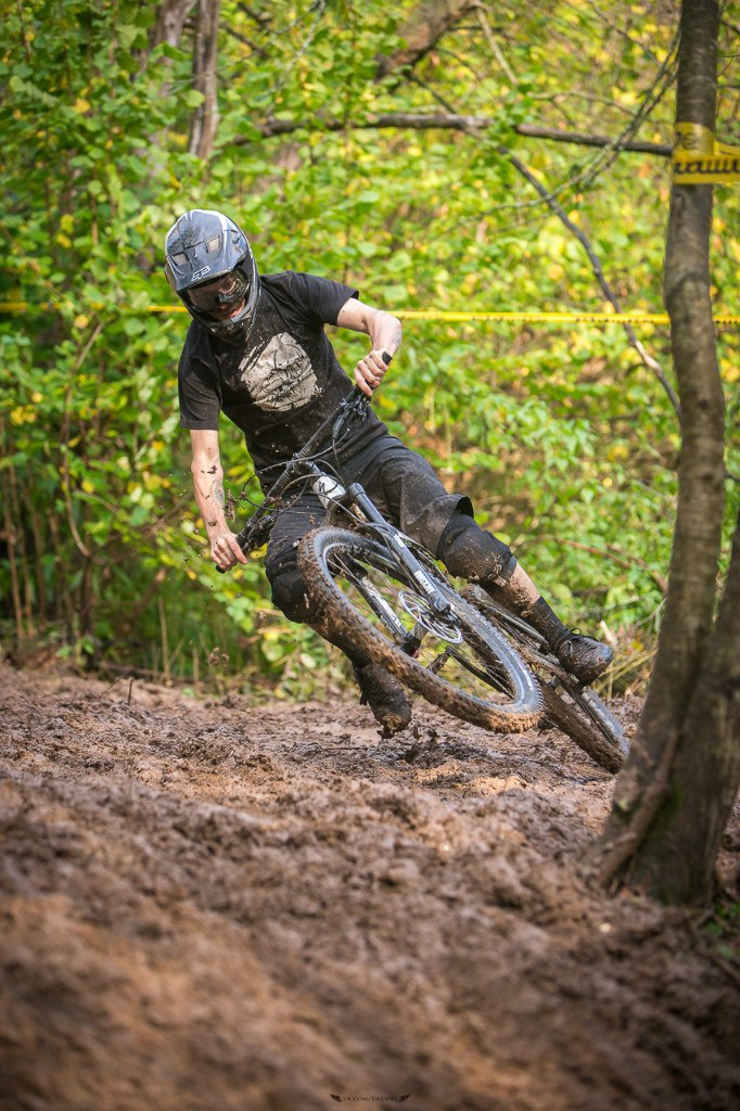 Roll All Day: Обзор Specialized Enduro Expert Carbon 29 и мини-отчет с Яхромэ