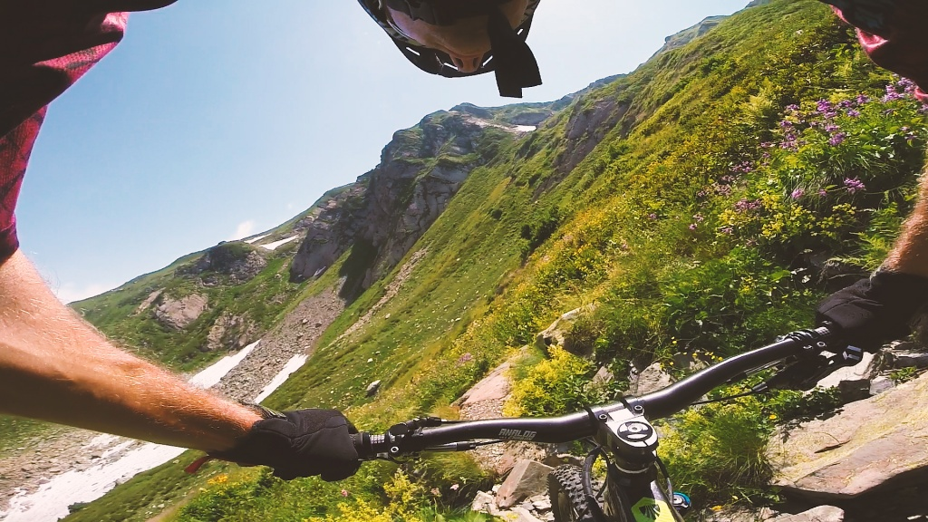 Видео: С велосипедом на массив г. Ачишхо (Красная Поляна)