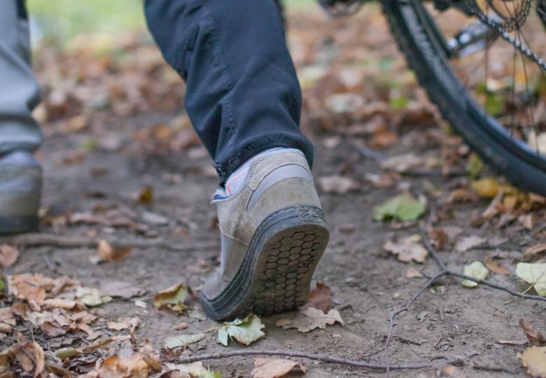Блог им. Bezzeeni: Сомнительный обзор велосипедной обуви для топталок. 5.10 Freerider VS Specialized 2FО VS Adidas Terrex Trail