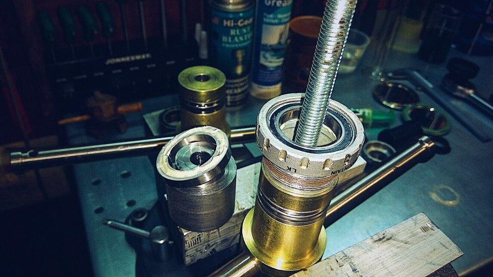 Блог им. VyacheslavRomanov: Сказ о том как Shimano каретки делает или механик, который знает толк в извращениях