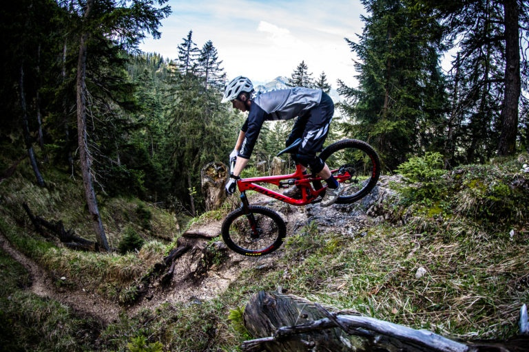 Блог компании SLOPESTYLE: Pivot Cycles - привет Россия!