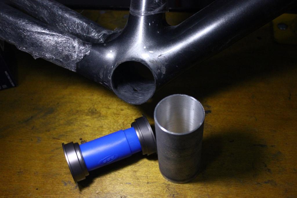 Блог им. 26inch: Вклейка алюминиевого стакана в карбоновую раму. Конвертация с BB95 на более распространенную BB92